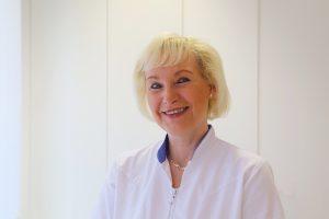 Frau Viola Schulze
