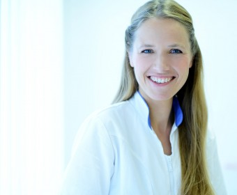 Frau Christine Ulrich